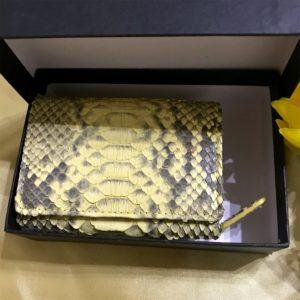 黄色ヘビ革の財布が金運に良と風水の話でレディースで買ってみた。効果を実験中