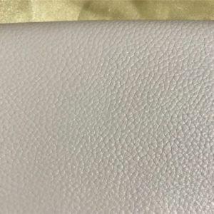 一白水星の2021年ラッキーカラーの財布を探る